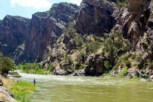 Fishing-in-the-Gunnison-River-Gorge-CO b